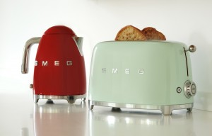 Red kettle & green toaster SMALL