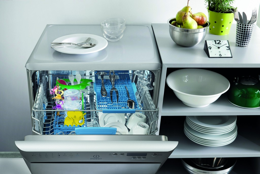 Indesit eXtra dishwasher with dedicated BabyCare Cycle DFP 58T96 Z UK - open - hi